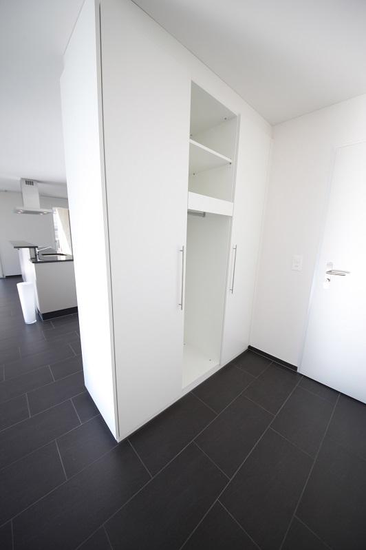 2_Obersee_Immobilien_Schrank