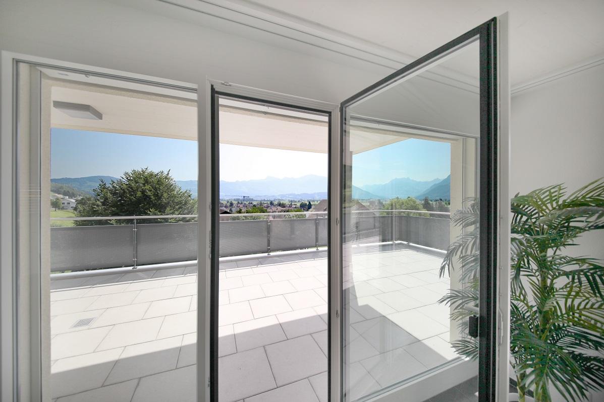 4_Obersee_Immobilien_Blick_Wohnzimmer