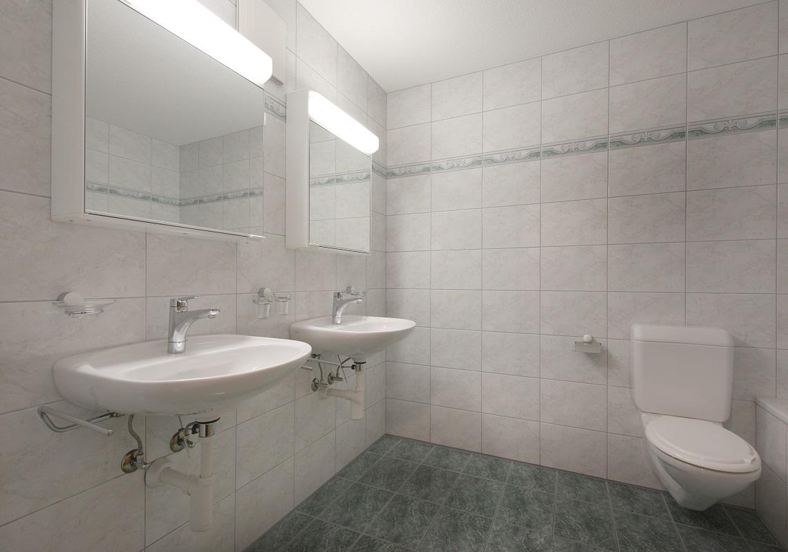 11_Obersee_Immobilien_Badezimmer