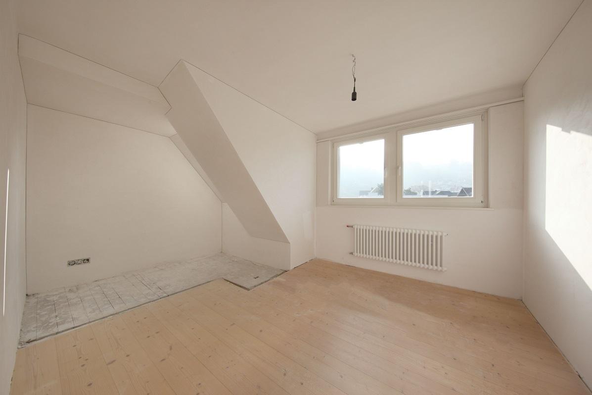 12_Obersee_Immobilien_Zimmer_DG