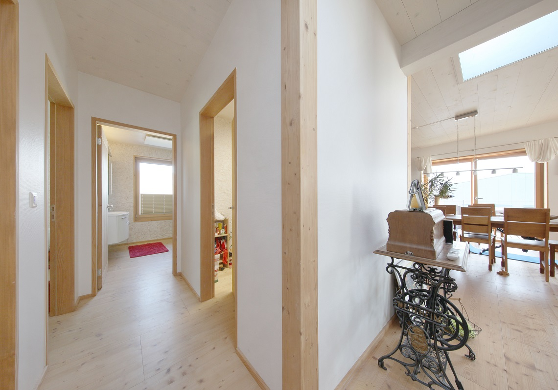 20_Obersee_Immobilien_Korridor